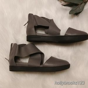 Eileen Fisher🌺sporty gray sandals